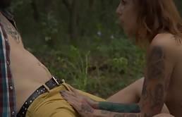 Follar En El Bosque Con Un Coño Tatuado