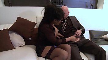 Wife Gets Fucked Anal The First Time He Fucks An Old Man With A Lot Of Money