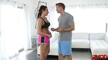 Hot Brunette Why It's Doing It With A An Expert In Sex.