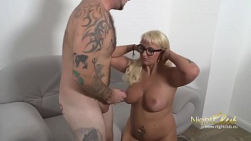 Mature Good Fuck She Loves To Fuck With Young Men