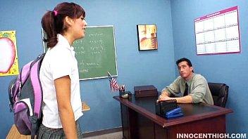 Estudiante Audrianna Angel Chupa Su Profs Polla Gruesa
