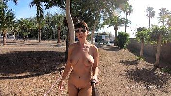 Silicona-Desnudo En La Playa De Estacionamiento De Hacer El Video