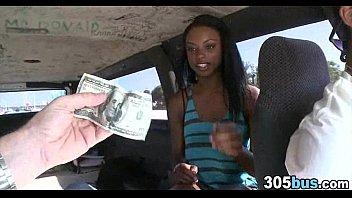 妓女在一辆面包车65