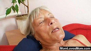 Hässliche Oma Cecilie Spielzeug Ihre Haarige Muschi