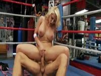 Madison Ivy Scopata Nel Ring Di Pugilato