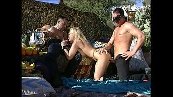 Xxx Sanziana Buruiana In The Pool And Fucked By The Lifeguard