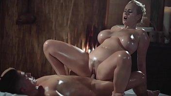 Die Massage In Der Nackt Blonde Milfa Geiles Girl, Das Ficken Will Der Kunde
