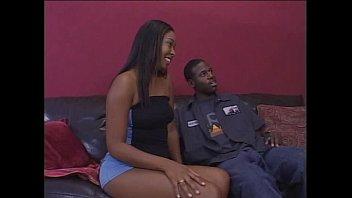 Frauen Junge Ebony Gefickt Von Ihrem Freund Hart Auf Dem Bett