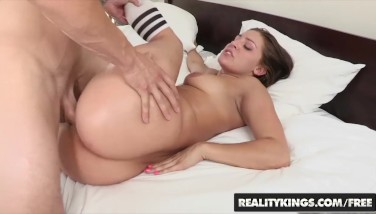 Realitykings - Monster Curves -  Gracie Glam Shows Off Her Perfect Booty