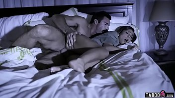Porno Massage Women To Fuck Lover When She's Sleeping