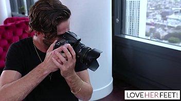 Posiert Nackt Und Gefickt Der Fotograf Aufgeregt