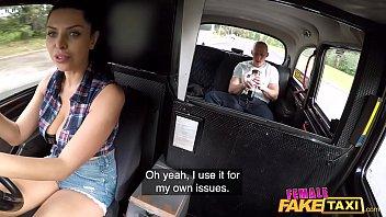 اچھے برے ڈرائیور کے ساتھ جعلی ٹیکسی