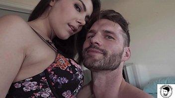 Italienisch Mit Großem Schwanz Fickt Valentina Nappi