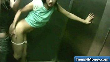 Les Adolescents Aiment L'argent Baisée En Public Ouvert - Www.Teens4money.Com Vidéo 05