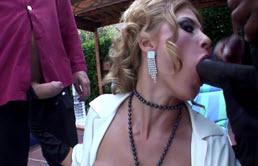 Nadia Macri Liebt Interracial Sex