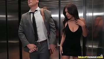 Stuck In An Elevator With A Girl Director Fucks Her Aggressively In Her Wet Pussy Close Up