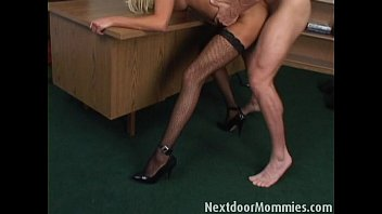 Her Lover Muscled Her To Fuck In Her Wet Pussy As He Can He Is Hot