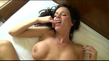 For The First Time, The Girl Has A Strong Orgasm While She Is Fucked