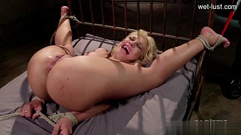 18 Ans Chatte Anal Gicler