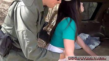 Tochter Und Agent Des Polizeipartners Film Border-Hopping Latina