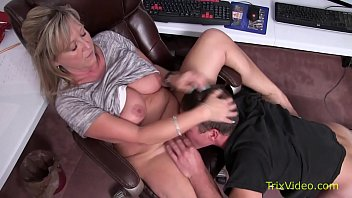 The Mother Of A Blonde Fucked In The Office In A Chair By Her Son