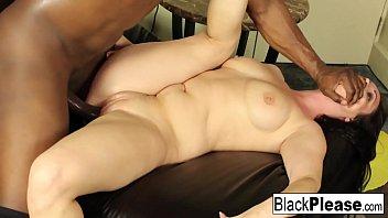 सुपर सेक्सी जैकी Jevaux प्राप्त करता है काला डिक कार्यालय में
