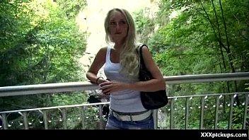 Hot Sexy Babes Obtenir Ramassé Dans La Rue Pour Une Bonne Baise 09