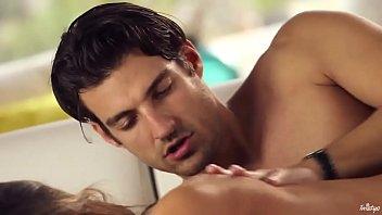 Eva Lovia Quiere Una Penetración Profunda En El Coño, Para Tener El Orgasmo Y Le Encanta El Semen