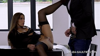 In The Office He Fucks The Pussy Of His Secretary With No Panties