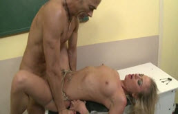 The Employ Of A Blonde Penetrated Deep Into The Pussy Of A Sex Addict