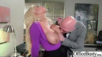 Sexo En La Oficina Con Grandes Tetas Desagradable Chica Caliente Clip-18