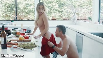 Sex With A Young Girl Fucked After Cooking