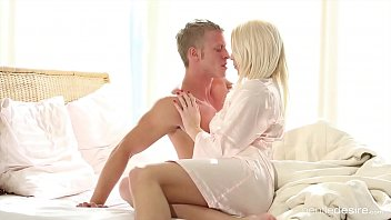 Stuck In The Bed When You Jerk Off A Blonde Is Fucked In The Vagina