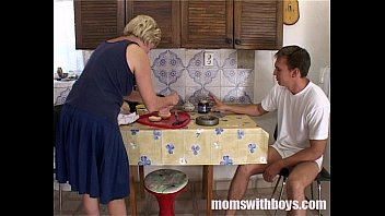 Mature Woman Fucked In The Kitchen