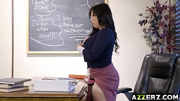 Xxx Movies He Fucks His Girlfriend In The Classroom, When There's No One