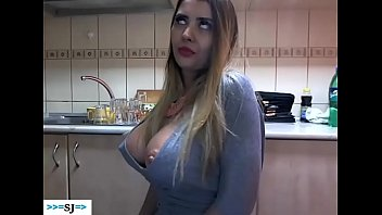 Webcam Show Of A Young Girl Getting Undressed Totally For Men
