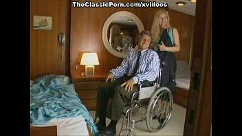 Klassische Porno Auf Einem Boot Mit Der Blondie