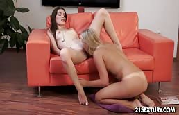 Lesbians Horny On Couch