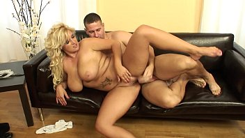 Mature Lady Porn Movie To A Little Kid With His Dick Erect