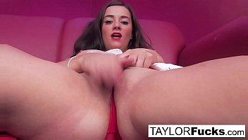 Infermiera Taylor Gioca Con Le Sue Tette Grosse