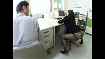 Las Mujeres Culo Desnuda, Teniendo Sexo En La Oficina Con Un Empleado De La