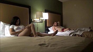 Él Está Tomando Mi Primo Al Hotel Para Pasar La Noche Para Tener Sexo Con Ella