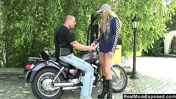 Porno Mit Einem Schwangeren Rumänen, Der Einen Biker Fickt