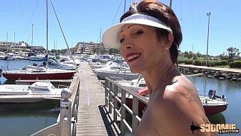 Fickt Gut Im Hafen Mit Einem Gutaussehenden Mann Mit Sex Chef