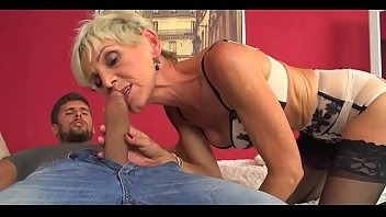 Mature Desperate For Dick Will Anal Sex And Cock Plugged Deep In Her Pussy