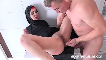 Xxx With An Arab Woman Draw Hair Is Fucking On Washing Machine Xxl