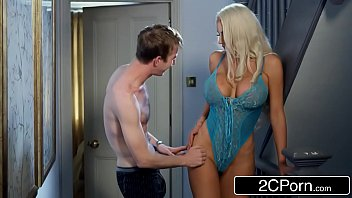Porn Aunt And Nephews, A Blonde With A Big Ass Fucked Wildly From Behind