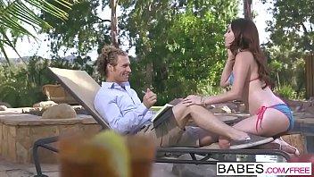 Babes ویڈیو - (مائیکل ویگاس&کوما; Kassondra Raine) - کے صرف ایک رابطے