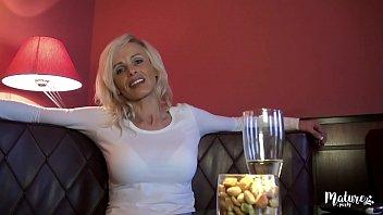 Claire Es Jodidamente Brutal En El Hotel Por El Cliente Con Una Gran Polla