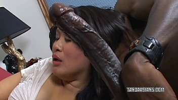 Porno Romanian With A Black Man Giving Blow Job To A Romance, A Housewife